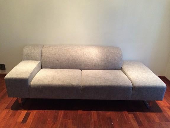 Grå sofa fra Bolia gis vekk mot henting!